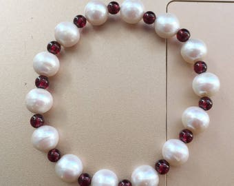 Freshwater Round Pearl & Garnet  Bracelet/17.5CM