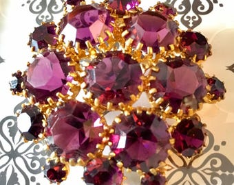 Stunning Vintage Purple Rhinestone Gold toned Brooch