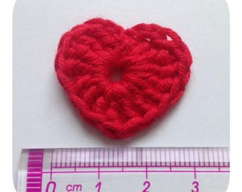 Set of 5 red crochet hearts