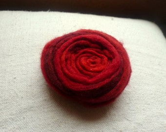 Embroidered felt brooch red