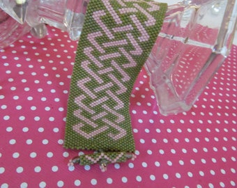 Celtic Knot beadwoven bracelet, moss green and pink