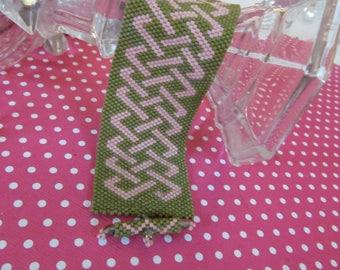 Keltischer Knoten Armband, Moos grün und rosa