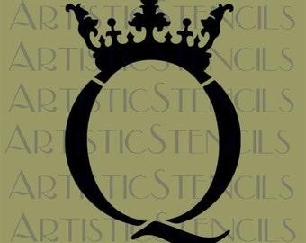 STENCIL Crowned Q   6.8x10