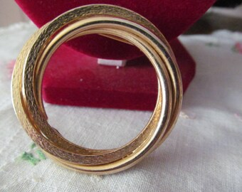 Gold Tone Circle Brooch Pin Costume Jewelry Brooch