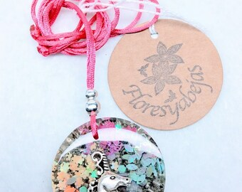 Orgone pendant with crystal quartz and unicorn