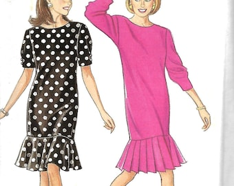 Simplicity 7981 Misses/Miss Petite Straight Dress With Pleated Or Flared Skirt Pattern, Size 6-16, UNCUT
