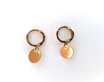 Small Minimalist Coin/Circle Hoop Earrings / Simple Gold Circle Hoops (Trend)