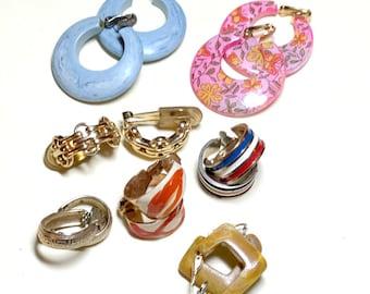 Lot of 7 pairs of hoop and half hoop vintage earrings, vintage earring lot, clip earrings, gold clip earring lot, 1970s 1980s E90