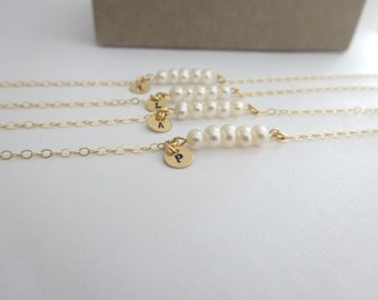 Custom Initial pearl bracelet, Personalized Bridesmaid Jewelry, Minimaist Bridal bracelet, graduation gift, june birthstone gift