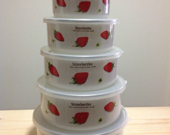 Set of 5 Nesting Bowls- Strawberries