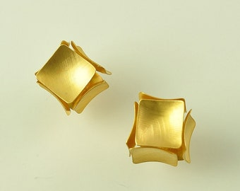 22K Solid Gold, Handcrafted Earrings, No. 046-11