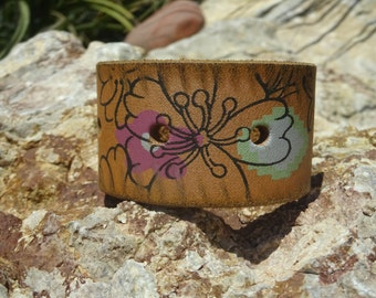 flower cuff bracelet/upcycled leather cuff/leather jewelry/womans bracelet/girl bracelet/floral bracelet/accessories/boho hippy cuff/C125