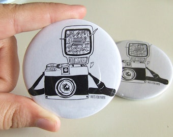 Say Cheese! - Vintage Camera - Bycicle Badge - 57mm Large Pin 2.25 inch - Illustration - Pinback Button