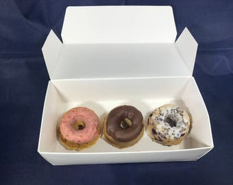 Donut Flight: A Fantastic Flight of Treats for your Furry Friend