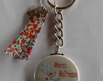 Cadeau Maîtresse Badge Porte clés 38mm  Merci Maîtresse Liberty Eloïse orange.