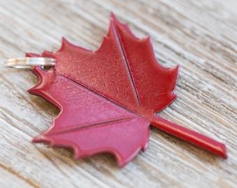 Maple leaf decorative metal key ring keychain