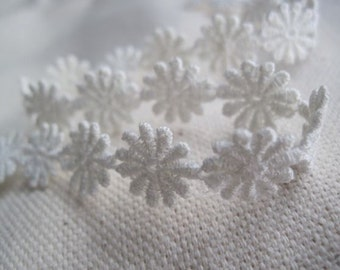 little sweeties WHITE flower lace trim