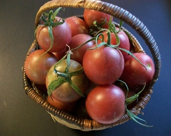 Cherry tomato- Black Cherry- 65 day INDETERMINATE- 25 seeds