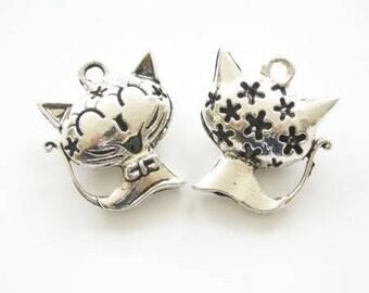 Shape silver metal cat charm