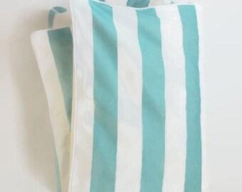 Grande rayure en Aqua et blanc bébé couette - Aqua et White Stripe - lit couette - Coastal bébé - Baby BCBG