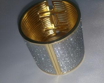 Gold Form Glitter Solid Cuff