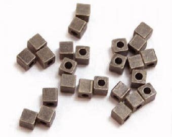 10 x beads spacer metal Cubes 4mm BLACK COPPER