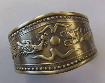 Vintage Cuff Bracelet Metal Dragons Oriental Style Jewelry Fashion Accessories Bangle Costume Jewelry