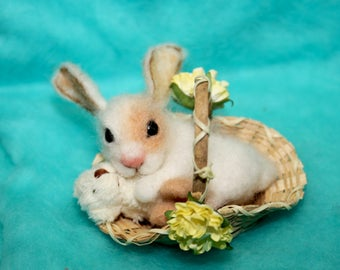 needle felted/ miniature sculpture / rabbit/ bunny / hare / Valentine's Day /handmade gift