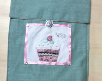 Turquoise embroidery cupcake ipad cover