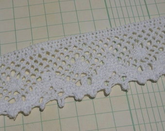 "White Cluny Lace - Wide Scallop Crochet Trim - Pattern No. 2 - 1 3/8"" Wide"
