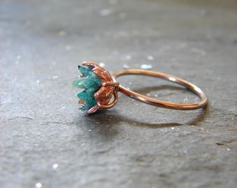 Rough Emerald Ring, Rose Gold and Emerald Ring, Raw Gemstone Engagement, Women's May Birthstone Ring, Lotus Flower Jewelry, Girlfriend Gift