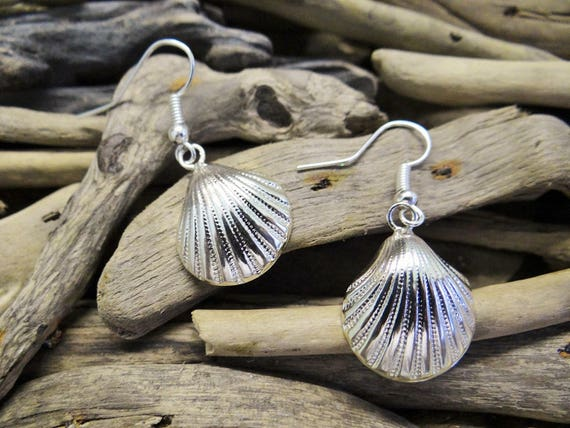 Little Silver Toned Clamshell Earrings Ahoy Nautical Shell Seashell Clam Scallop Fan Sailor Pinup Rockabilly Mermaid Dangle Hooks Beach
