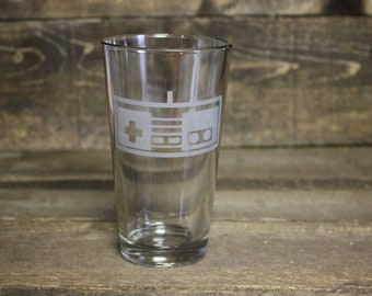 Video game controller pint glass - retro gaming pint glass - etched nes controller pint glass - etched Nintendo controller pint glass
