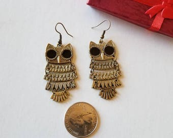 Owl earrings, Vintage Bronze gold plated.