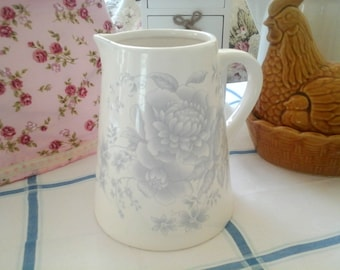 Vintage Cream and Grey Floral 2 Pint Jug