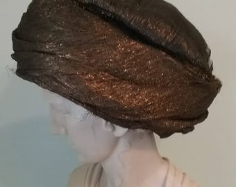 late Edwardian early 1920s 20s Gold Lame Hat