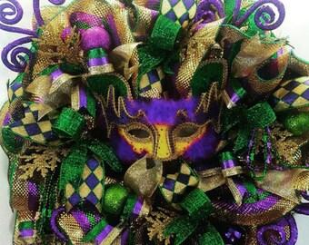 Mardi Gras mask wreath, Carnival wreath, Mardi Gras front door wreath, Green purple gold wreath, Mardi Gras decorating, Mardi Gras decor