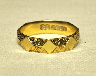 22ct Gold Patterned Band Ring
