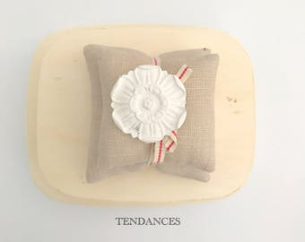 Cotton pillow has scented with ceramic flower 8 x 7 cm