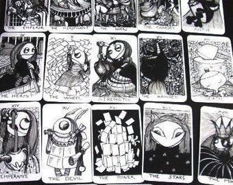 available - BAMBOLANERALICE UNDERGROUND Tarot handmade 22  big Arcana Major Tarot Deck - B/W  printed in typography - plasticized-  by Layla