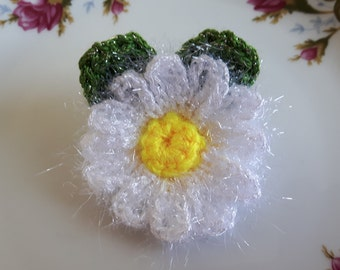 Crochet white sparkle and fluffy daisy flower with leaves brooch pin corsage applique gift crochet daisies Mother's Day