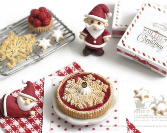 Winter Flake Christmas Cranberry Pie in 1/12th miniature Dollhouse Christmas Pie