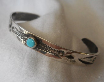 VINTAGE Southwestern Navajo Silver & Turquoise Childs Native American Indian Jewelry Cuff Bracelet