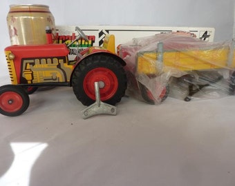 Tin Toy Tractor Windup MIB Czech Republic