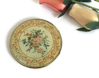 Vintage Gold Stratton Refillable Pressed Powder Compact with Floral Design 1960's Made in England
