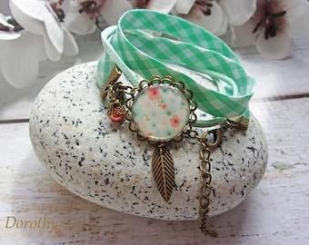 "Liberty bracelet ""Instant floral"" cabochon green / white"