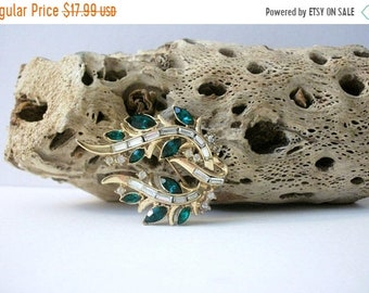 ON SALE Vintage TRIFARI Pat Pending Stamped Gold Tone Green Clear Rhinestone Inlays Metal Pin 42818