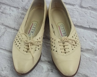 Vintage Connie Women's Leather Loafer Ivory Shoes Tie 7.5B