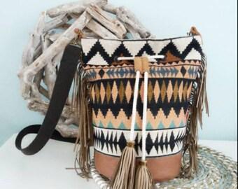 Bucketbag, schoulderbag, cross body, aztec, gobelin, leather, with zipper pocket, fringe.