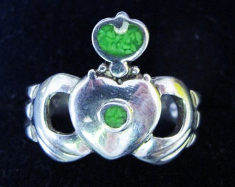 Terrific Vintage Solid Silver Green Stone Claddagh Ring